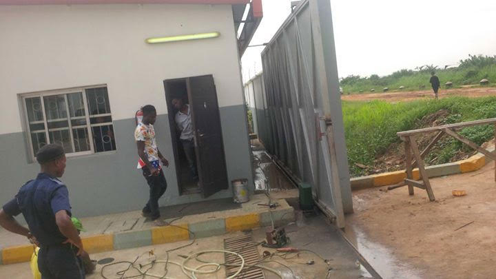 sliding gates in nigeria